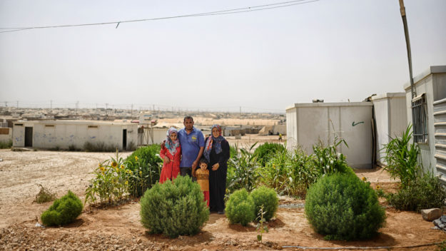 reMIGRANTS_MIDEAST_CAMP_1-625x352